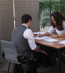 entretien d 39 embauche les questions types poser au recruteur stages jobs le parisien. Black Bedroom Furniture Sets. Home Design Ideas